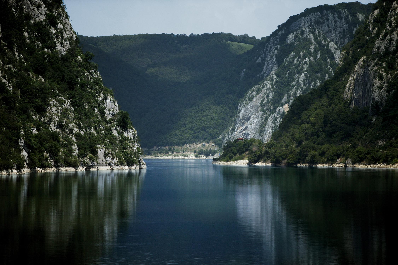 Donau Delta mit Felsen an der Donau