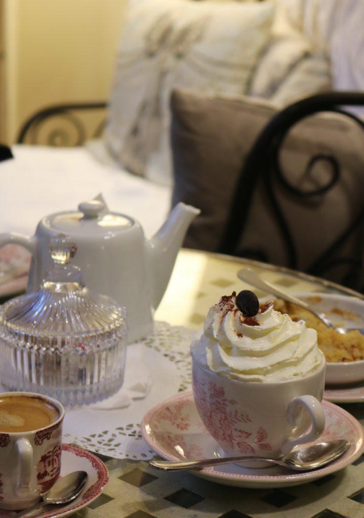 Lecker: Französische Spezialitäten im Café Dame Cakes in Rouen