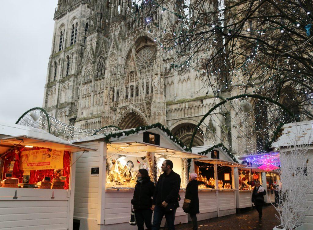 Weihnachtsmarkt in Rouen am Notre-Dame