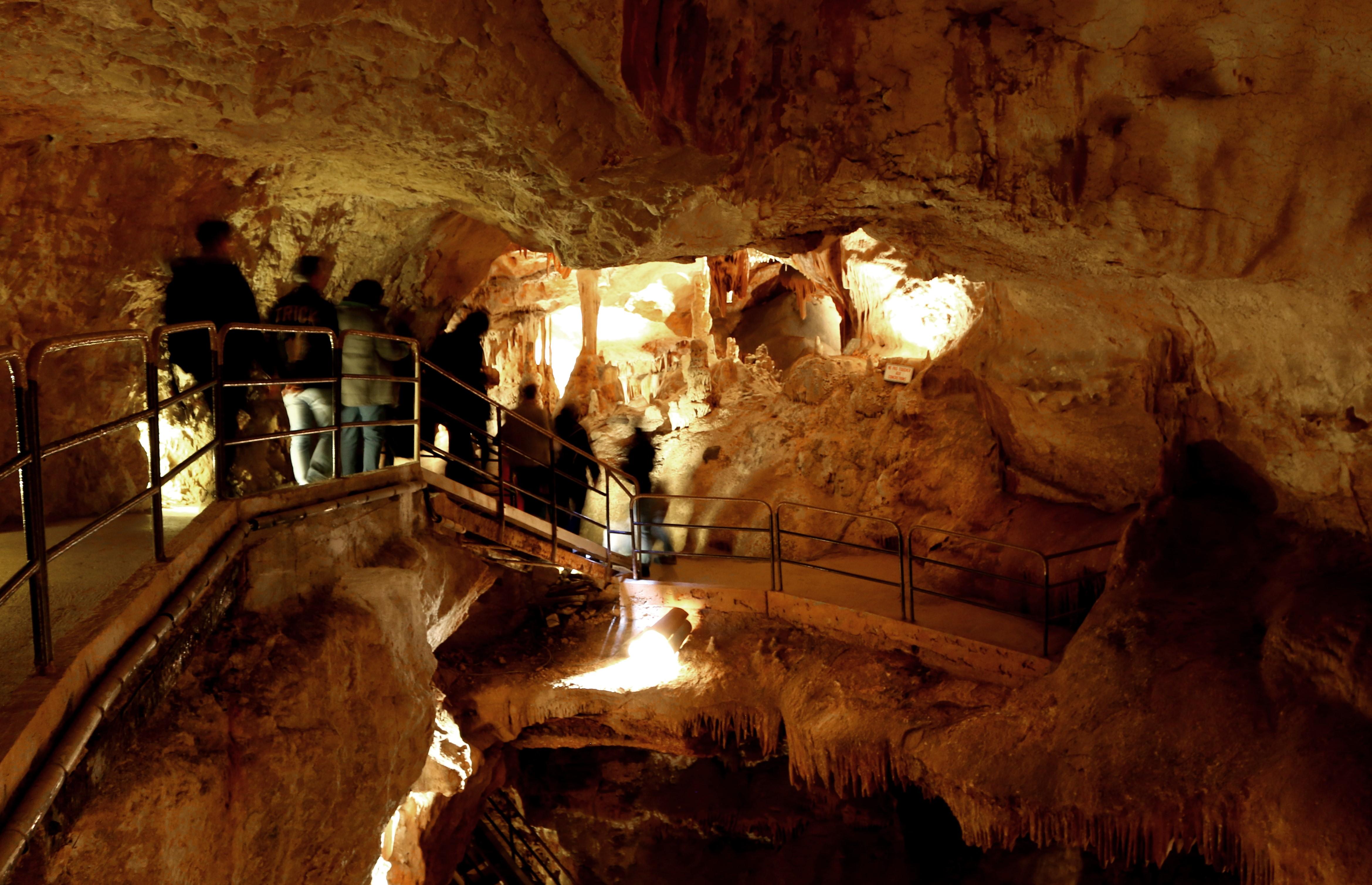 Grottes de la Madeleine