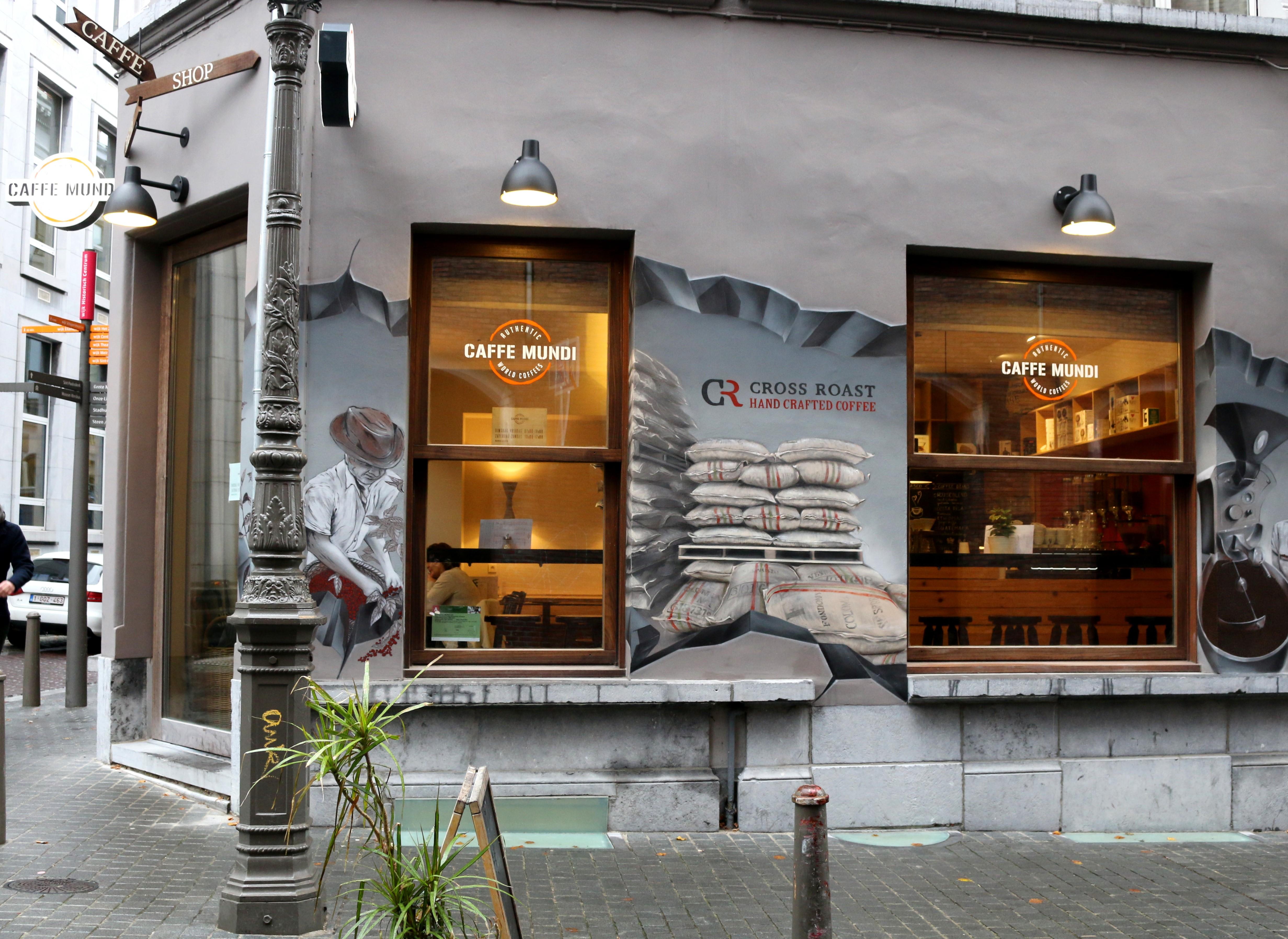 Eines der besten Cafés der Stadt: Das Café Mundi in Antwerpen.