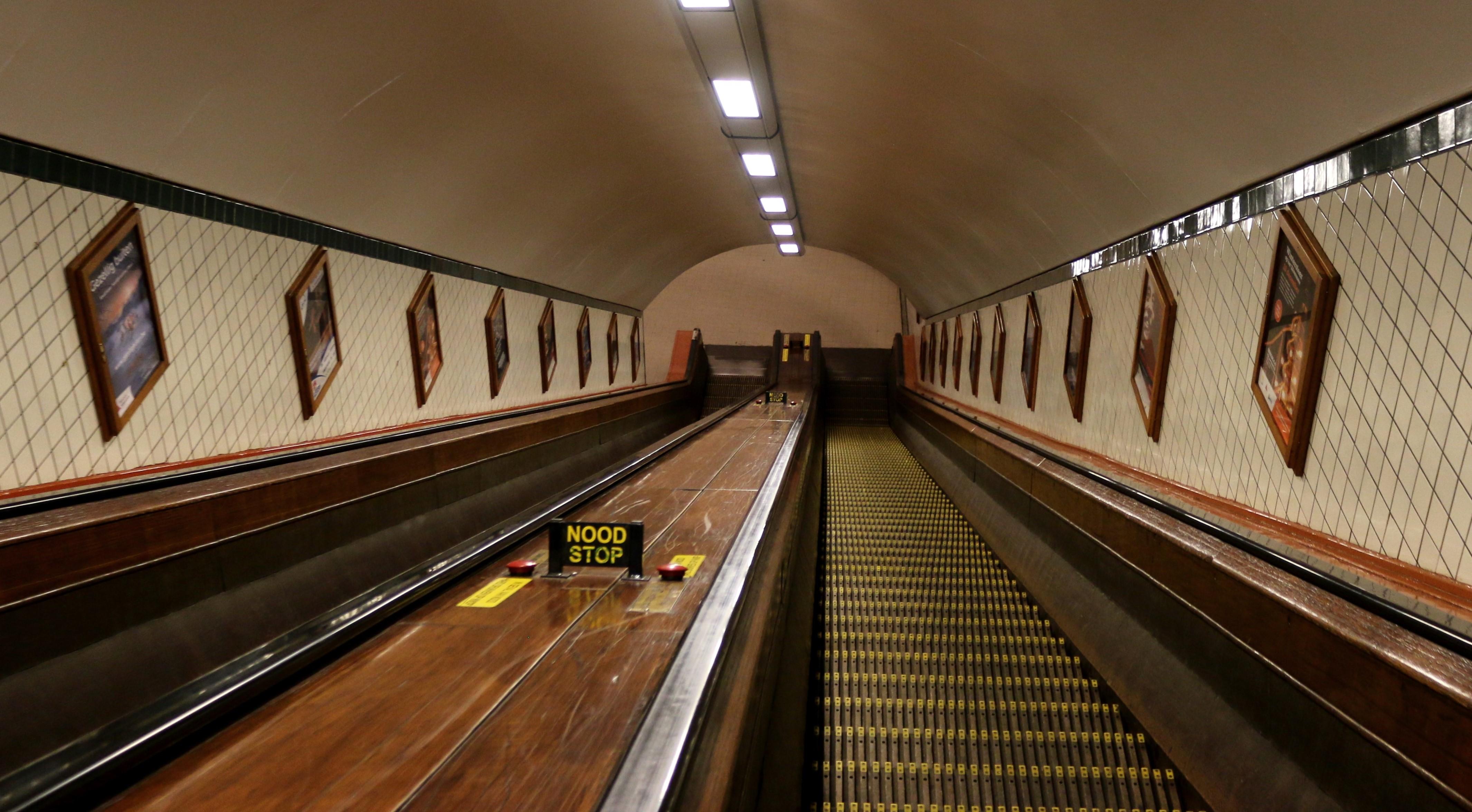 Rolltreppe im Bahnhof Antwerpen