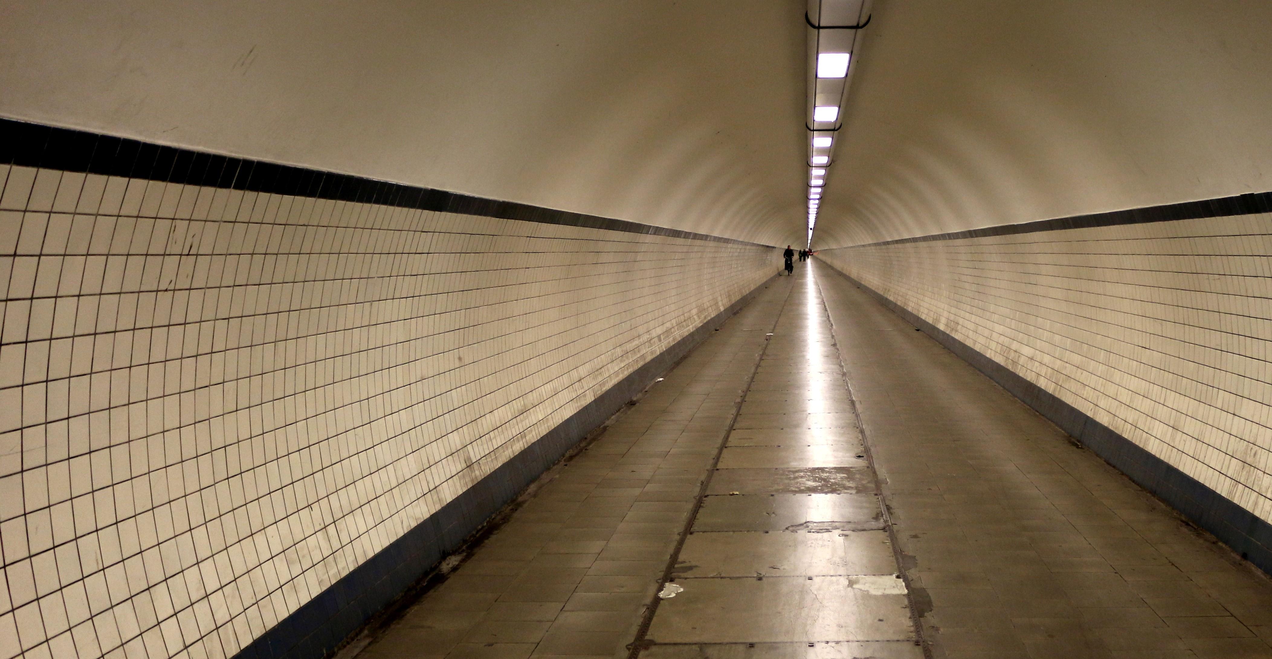 Lange Wege: Die Unterführungen in Antwerpen