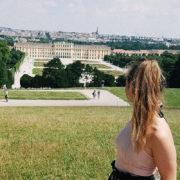 Vor dem Schloss Schönbrunn.
