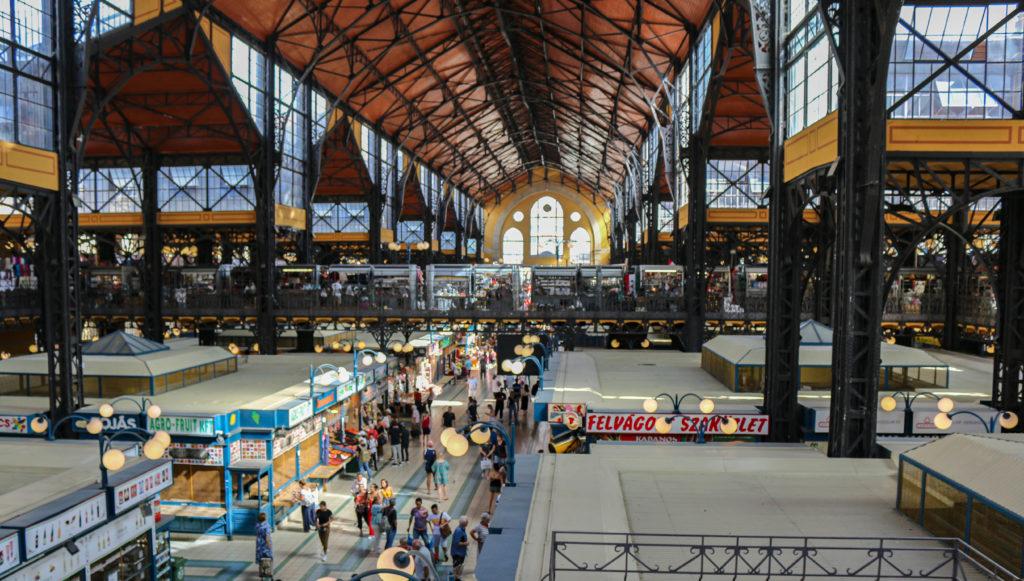 Die Markthalle in Budapest.
